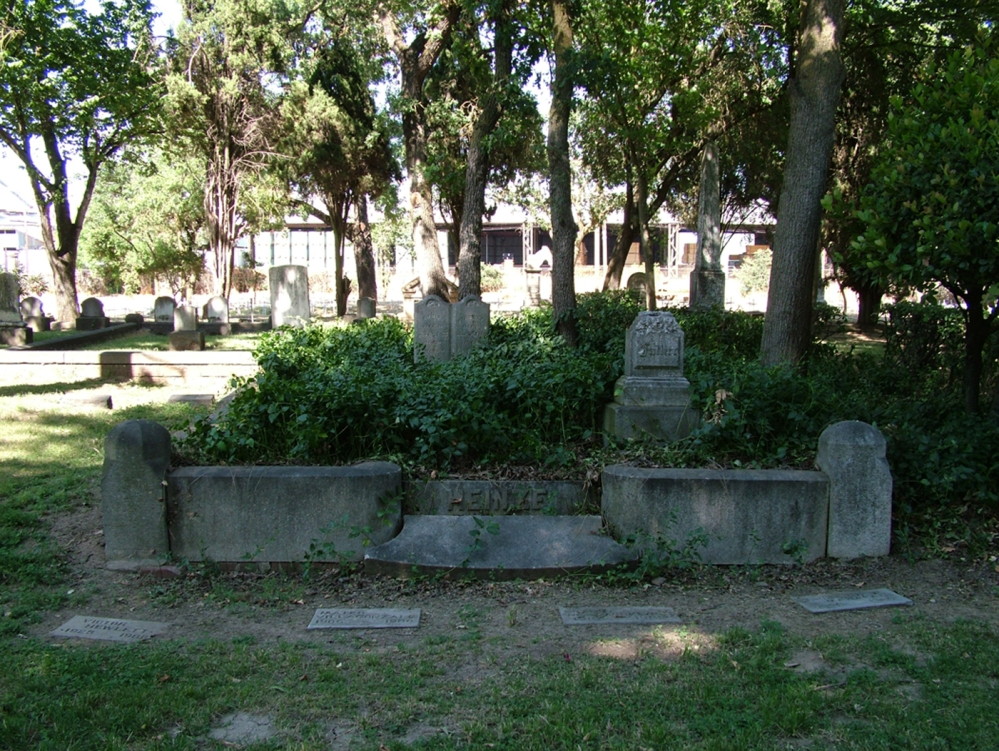 Ghosts in a Stockton Cemetery (do you see what I see?) (1/4)